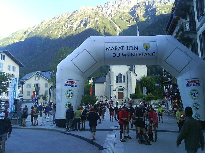 Runners gathering before the start of the Marathon du Mont Blanc